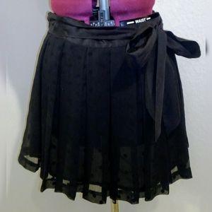 American Eagle polka dot pleated skirt